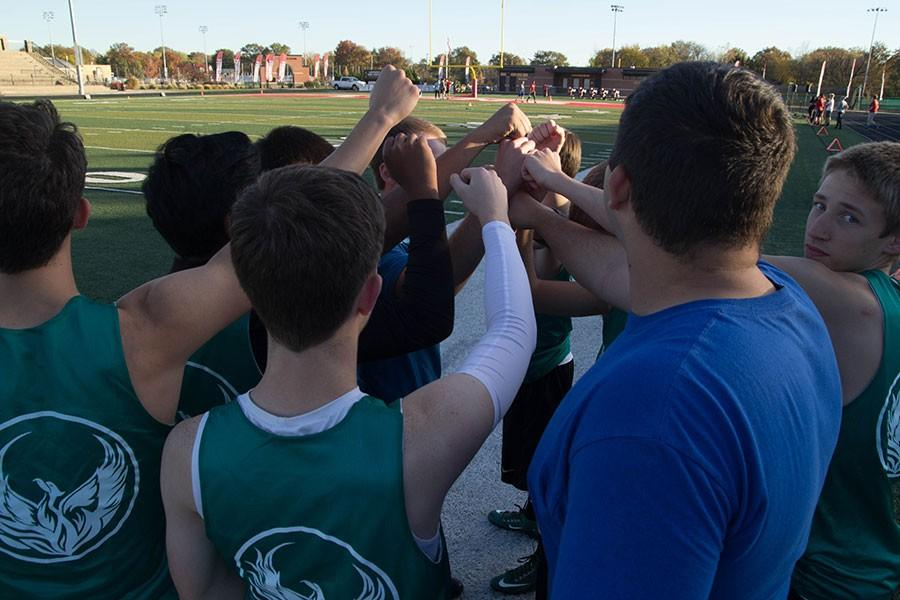 Ultimate+Frisbee+players+come+together+as+a+team.+The+team+practices+every+Monday+Wednesday+and+Friday+after+school.