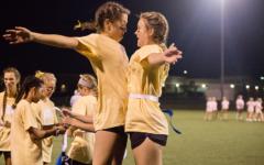 Juniors dominate Powderpuff Football