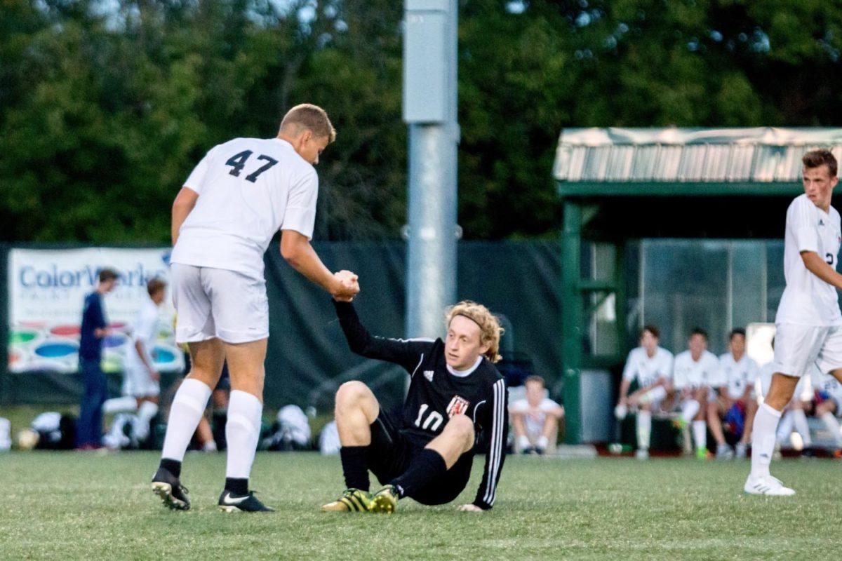 Roberts_SoccerVsLHS (5 of 20)