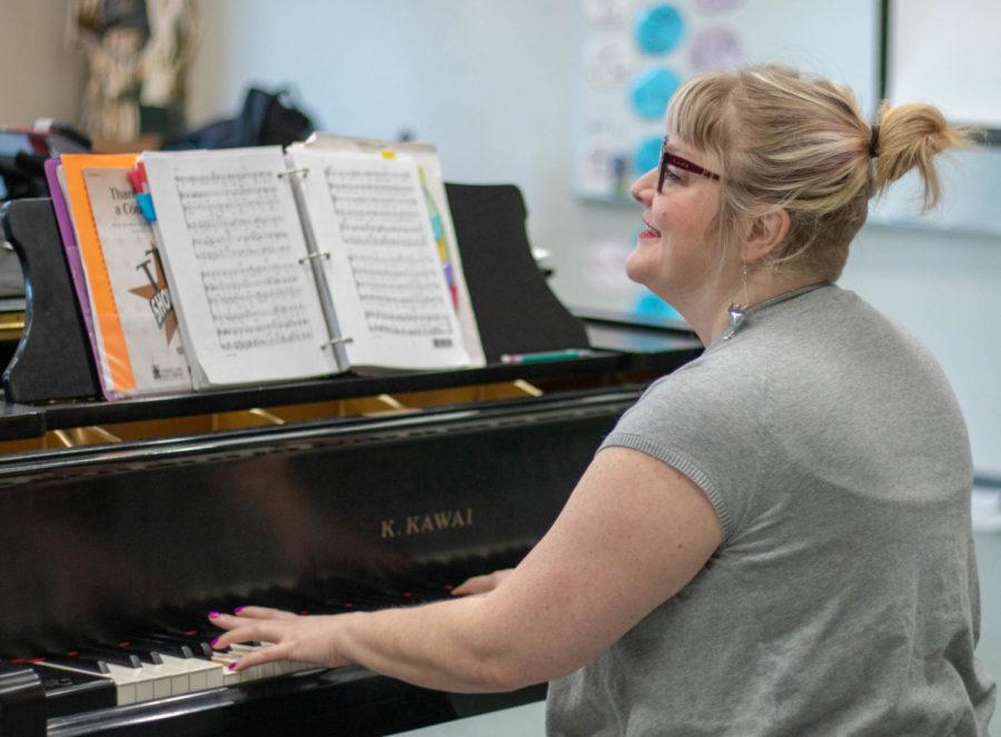 Head choir director Hilary Morton announces resignation